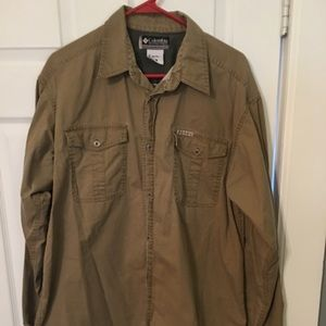 Men's Columbia button down shirt